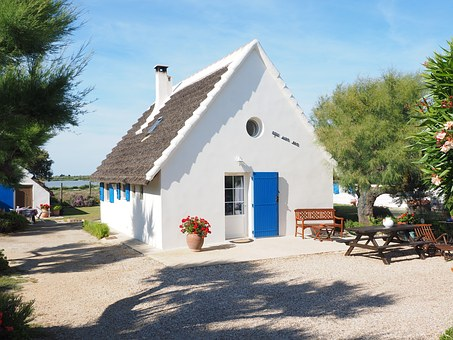 holiday-house-1522051__340